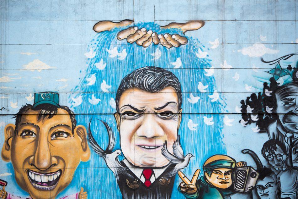 Bogota street art Family